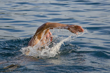 soñar nadando en el mar